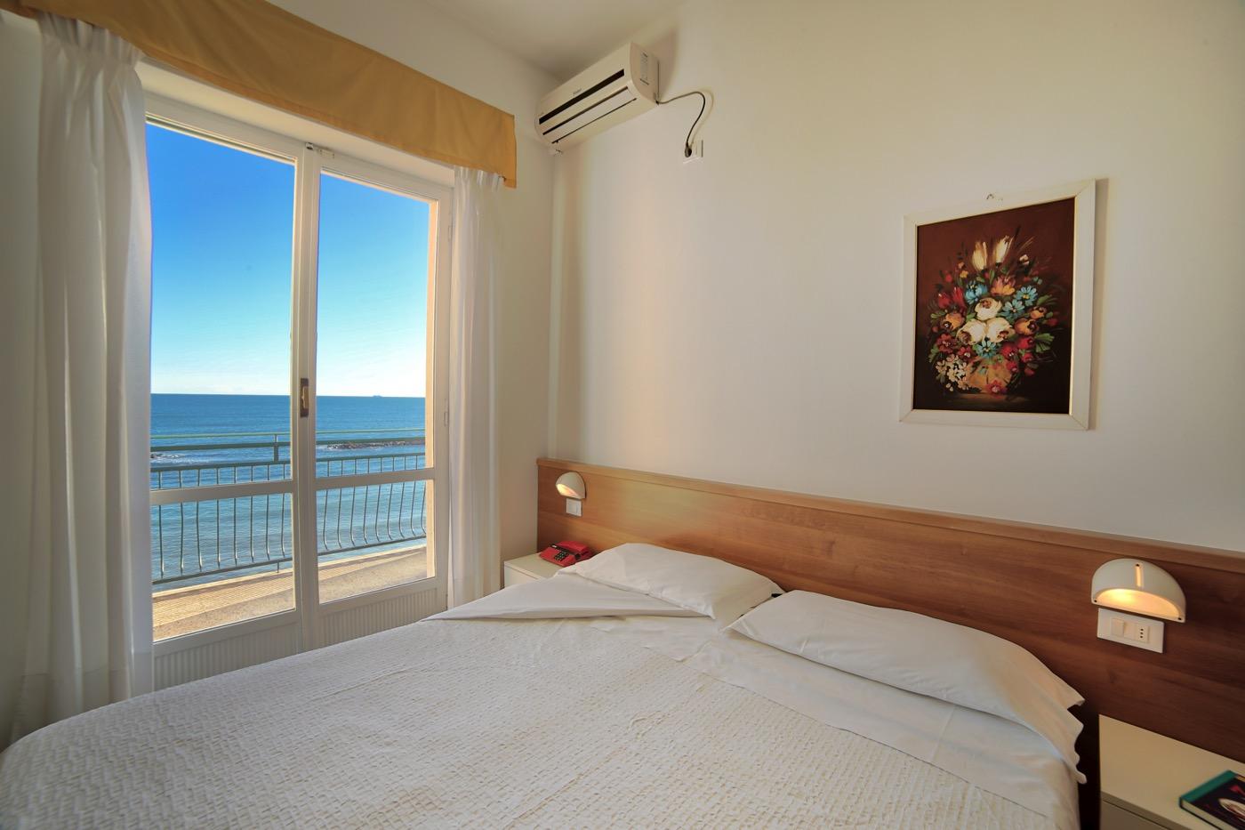 Hotel Mayola camera fronte mare