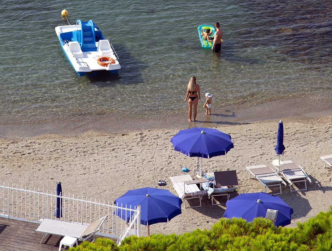 Spiaggia Hotel Mayola Liguria San Bartolomeo al Mare
